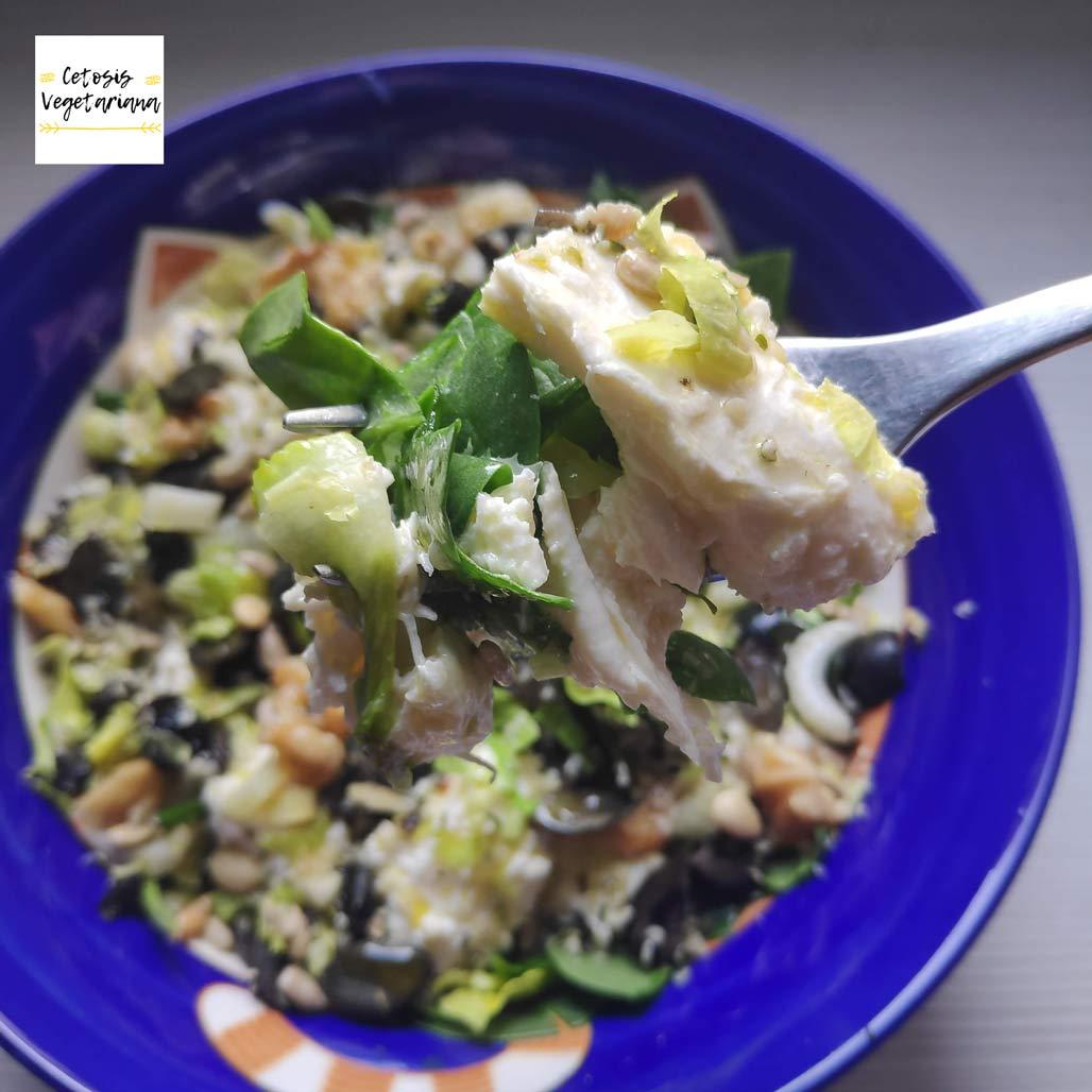 cetosis-vegetariana-ensalada-keto-lowcarb-apio-logo