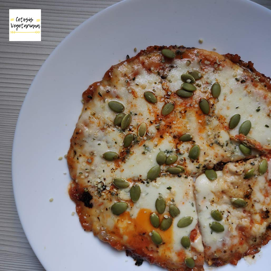 cetosis-vegetariana-receta-facil-keto-pizza-sarten